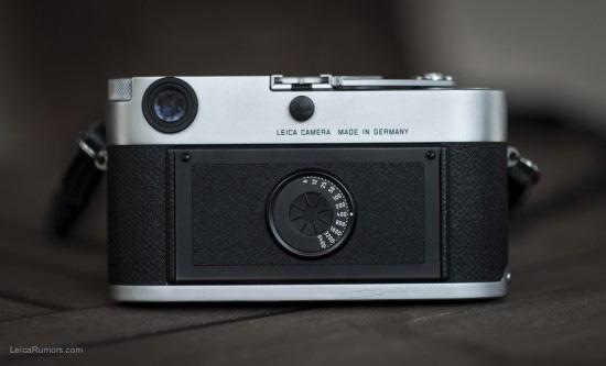 ライカの液晶画面無し銀塩カメラ風デジカメは限定版「ライカ M60」