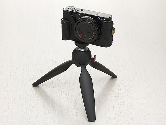 ULYSSES(ユリシーズ)「SONY RX100M3 BODY SUIT(ソニー RX100M3用本革カメラケース)」