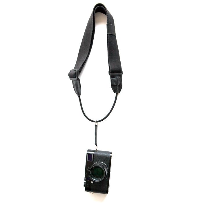 縦吊りカメラストラップ!「BLACK TAG TYPE130 ブラック」