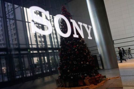 ソニーが2014年度カメラ販売計画を上方修正。α7II投入で年末商戦に望む。