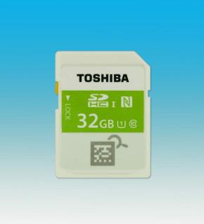 世界初:東芝、かざすだけで中身を確認できるNFC搭載SDHCメモリカードを発売