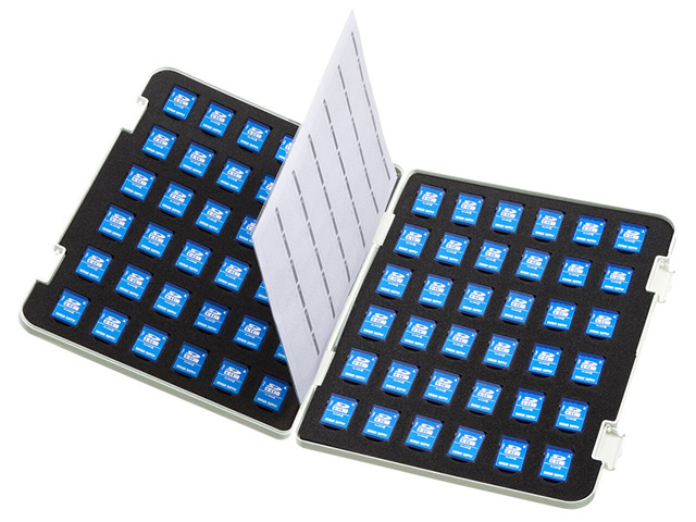 SDカード72枚収納可能なA4サイズのファイルケース「FC-MMC22SD」