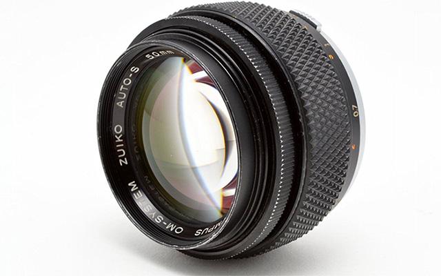 オリンパスが新しいF1.2大口径単焦点シリーズを発表する!?