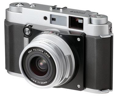 富士フイルムがレンズ交換式の中判カメラシステムを開発中!?