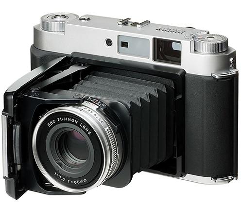 富士フイルムが9月15日または16日に、中判デジタルカメラを発表する!?