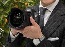 シグマ山木社長がフルサイズEマウント用レンズを計画していると公言した模様。