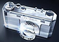 ニコンが創立100周年の記念モデル&グッズ