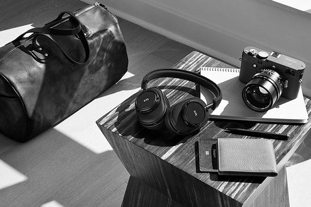 ライカのヘッドフォン「MASTER&DYNAMIC, MW60B-95」「 MH40B-95,」「ME05B-95」