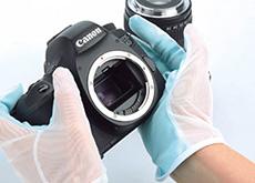 ハクバの手袋型クリーニングクロス「トレシーグローブ」東レのクリーニングクロス「トレシー」を使用、カメラやレンズのメンテナンス用に。