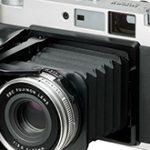 富士フイルム「中判フィルムカメラ GF670 Professional シルバー」販売終了する模様。