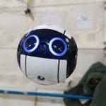 国際宇宙ステーションで活動する自律移動の球体ドローン「Int-Ball(イントボール)」