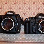ニコンD850のリーク画像。Dfとの比較の写真。