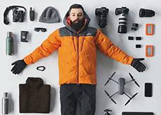 南極写真家の持ち物リスト。EOS 5D Mark IIIやGoPro、DJI Mavic Pro。そして「チェキ」も持って行ってる模様。