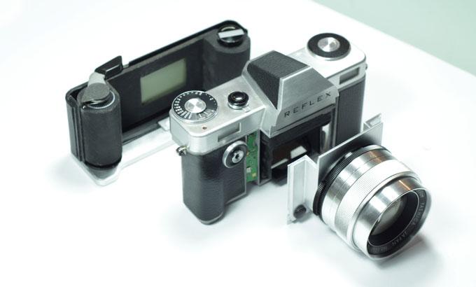 フィルム一眼レフカメラ「REFLEX」