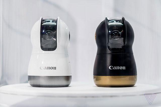 キヤノンがDxO OneのようなiPhoneと接続するカメラをCES2018に展示していた模様。
