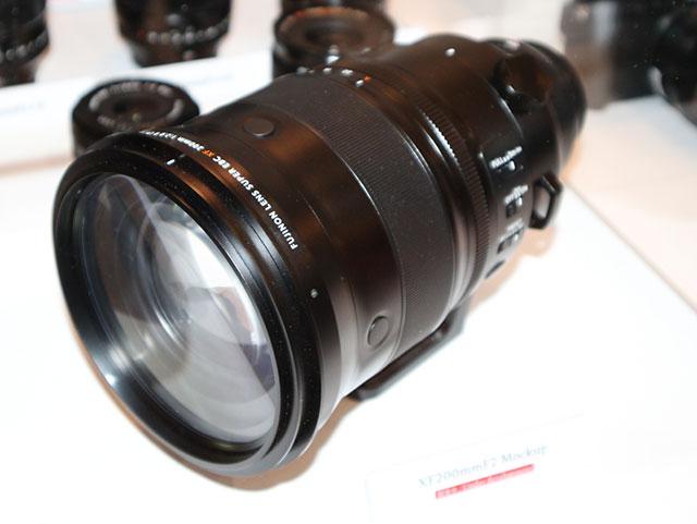 富士フイルムXF200mmF2 R LM OIS WR