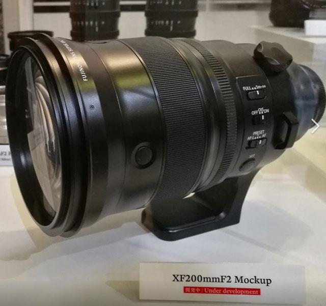 富士フイルム「XF200mmF2 R LM OIS WR」