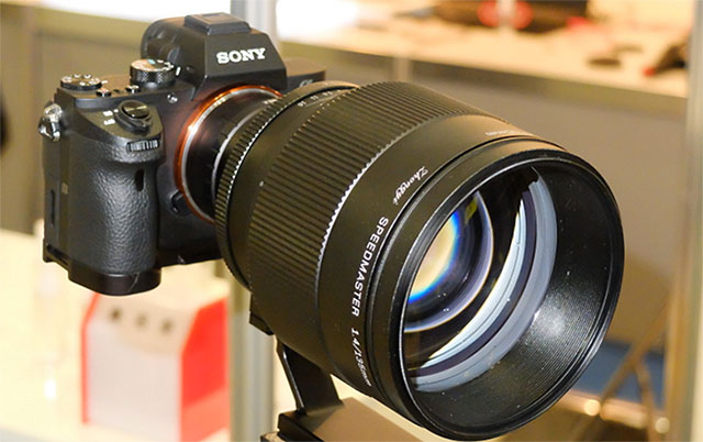 ソニーのFE24mm F1.4は春から秋に発表が遅れている!?FE135mmは2019年発表!?