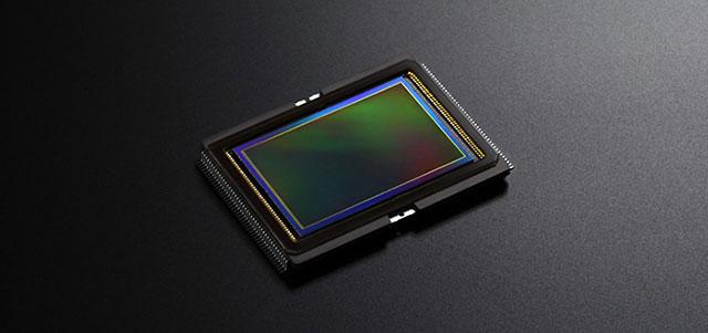 ソニーがα6500の4μmセンサーベースの5400万画素フルサイズセンサーを発表する!?