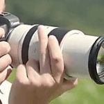 キヤノンのEOS R用レンズ「RF70-200mm F2.8L IS USM」は、繰り出し式ズームの模様。