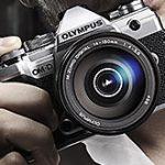 オリンパスが「OM-D E-M5 Mark III」を正式発表。センサーや画像処理エンジンなどをE-M1 Mark IIから継承。