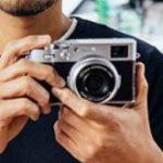 富士フイルムX100Vは新型レンズ開発に約2年かかっており、ボディだけならもっと速く開発は終わっていた模様。