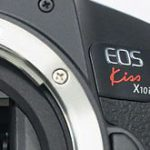 キヤノンの新製品「EOS Kiss X10i」「RF24-105mm F3.5-5.6 IS STM」「QX10」のリーク画像
