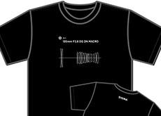 シグマが「105mm F2.8 DG DN MACRO | Art」のTシャツを販売開始した模様。