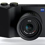 "<span class=""title"">「ZEISS ZX1」が(ついに)正式発表。</span>"